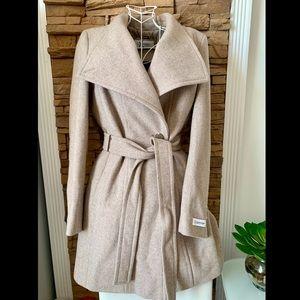 Calvin Klein Women's Coat ✨